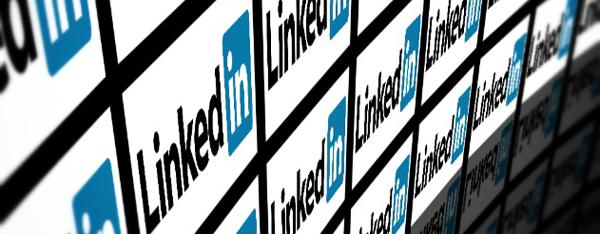 What is LinkedIn // www.whichsocialmedia.com